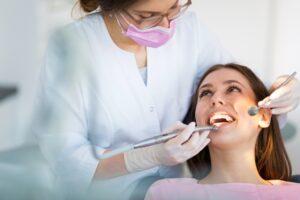 How do dental veneers work?